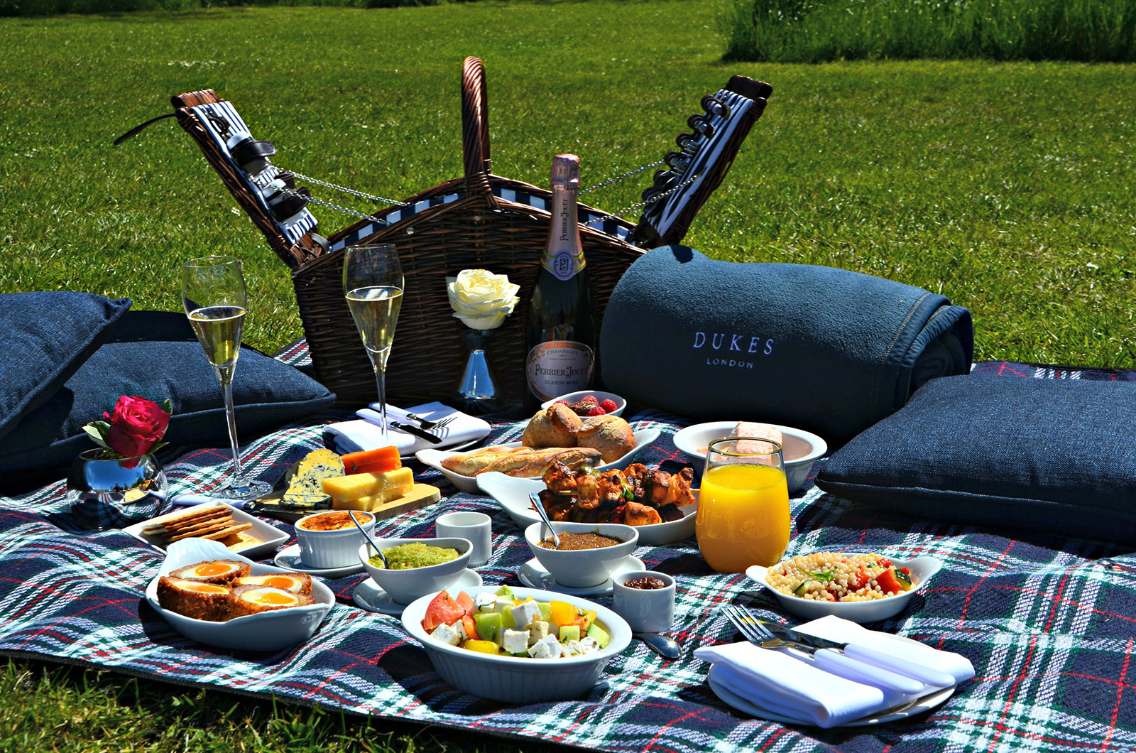Gourmet Picnics In The Park By Dukes London Chartwell